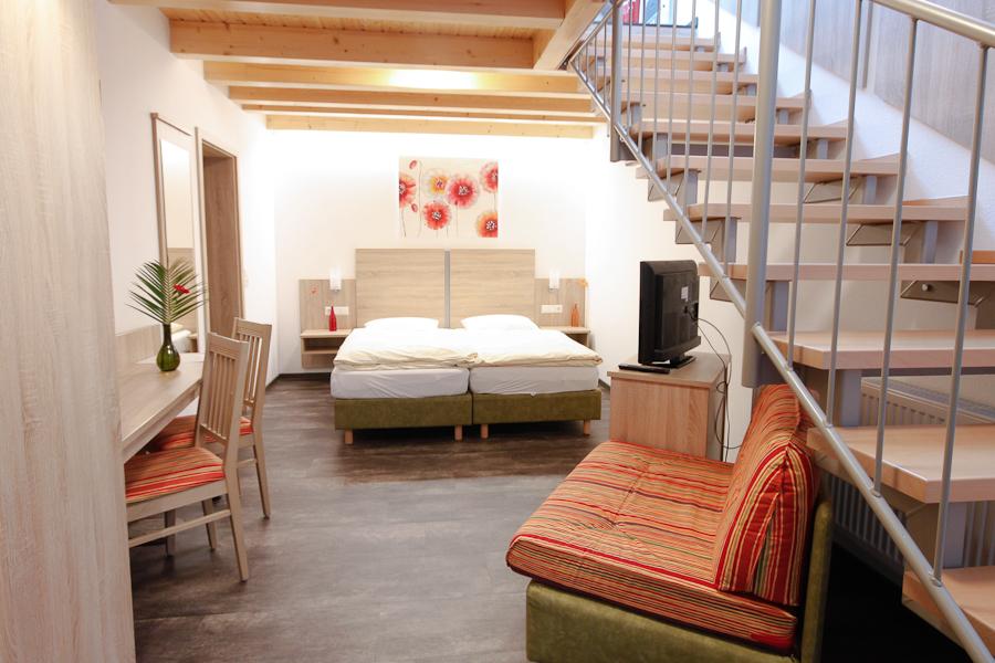 Wirtshaus am Treidelpfad Haßmersheim Familienzimmer - schlafen unten